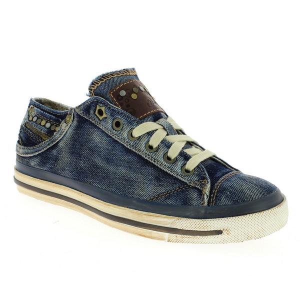 La chaussure en jean est se tendance ?